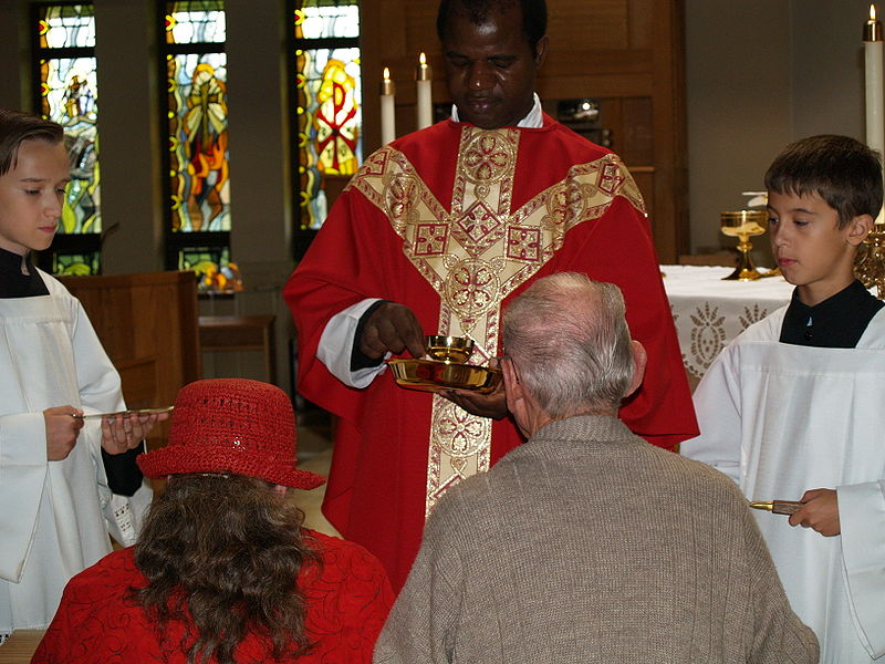 File:People receiving Communion.jpg