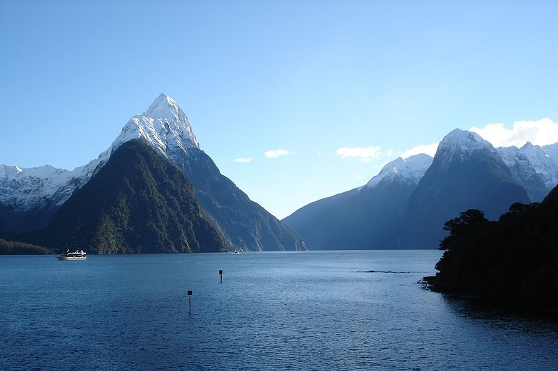 File:Milford Sound in New Zealand 001.jpg
