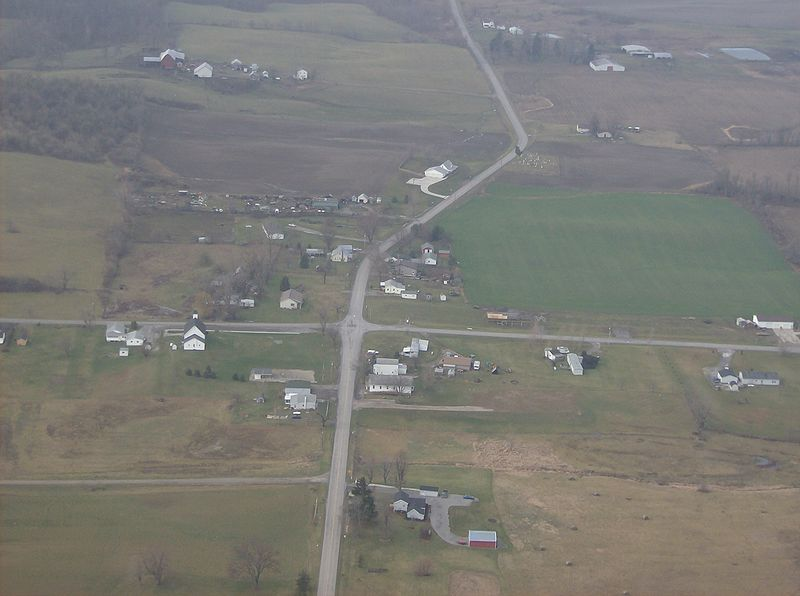 File:Crossroads at Pickrelltown.jpg